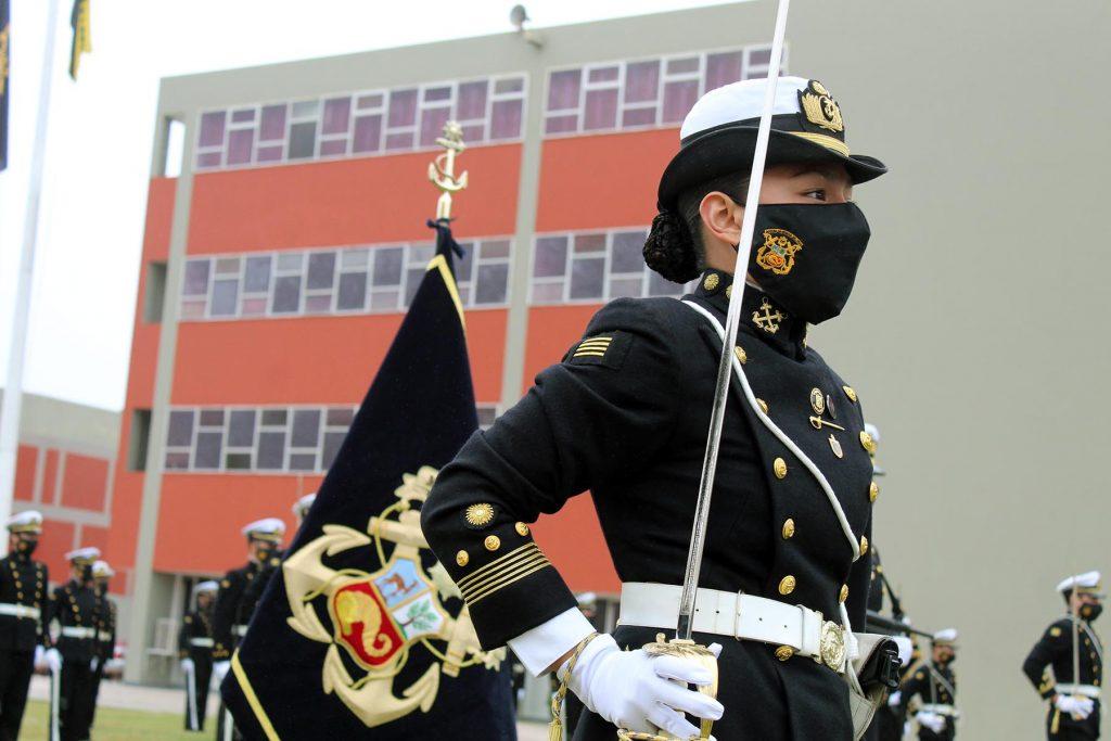 Nombran a iqueña como primera cadete comandante de la Marina