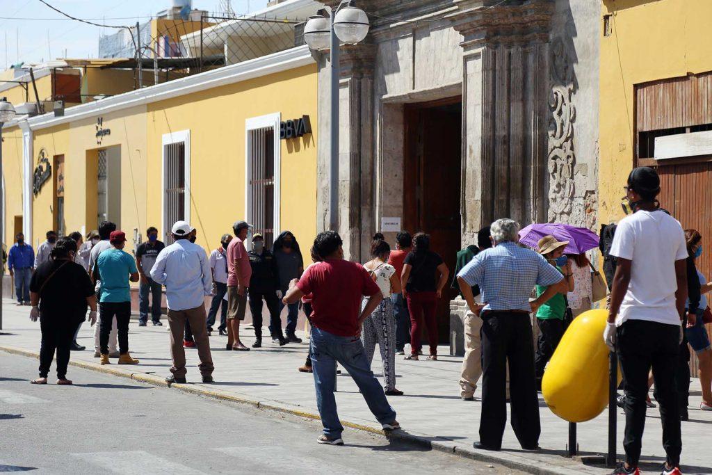 Desempleo en Perú creció el 9,6 % entre julio y septiembre por la covid-19
